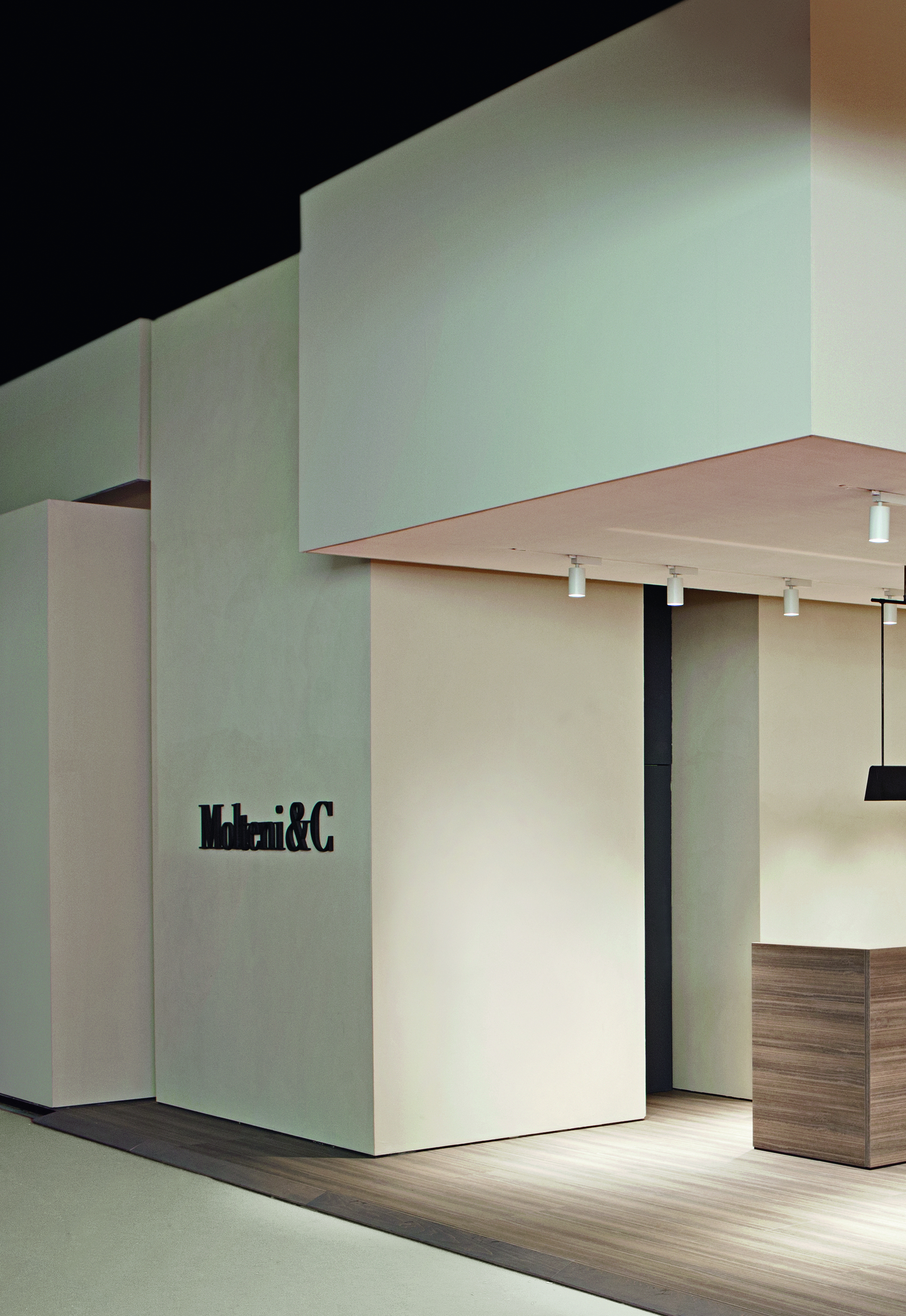 Molteni C Products And Exhibition Stands Now Online En