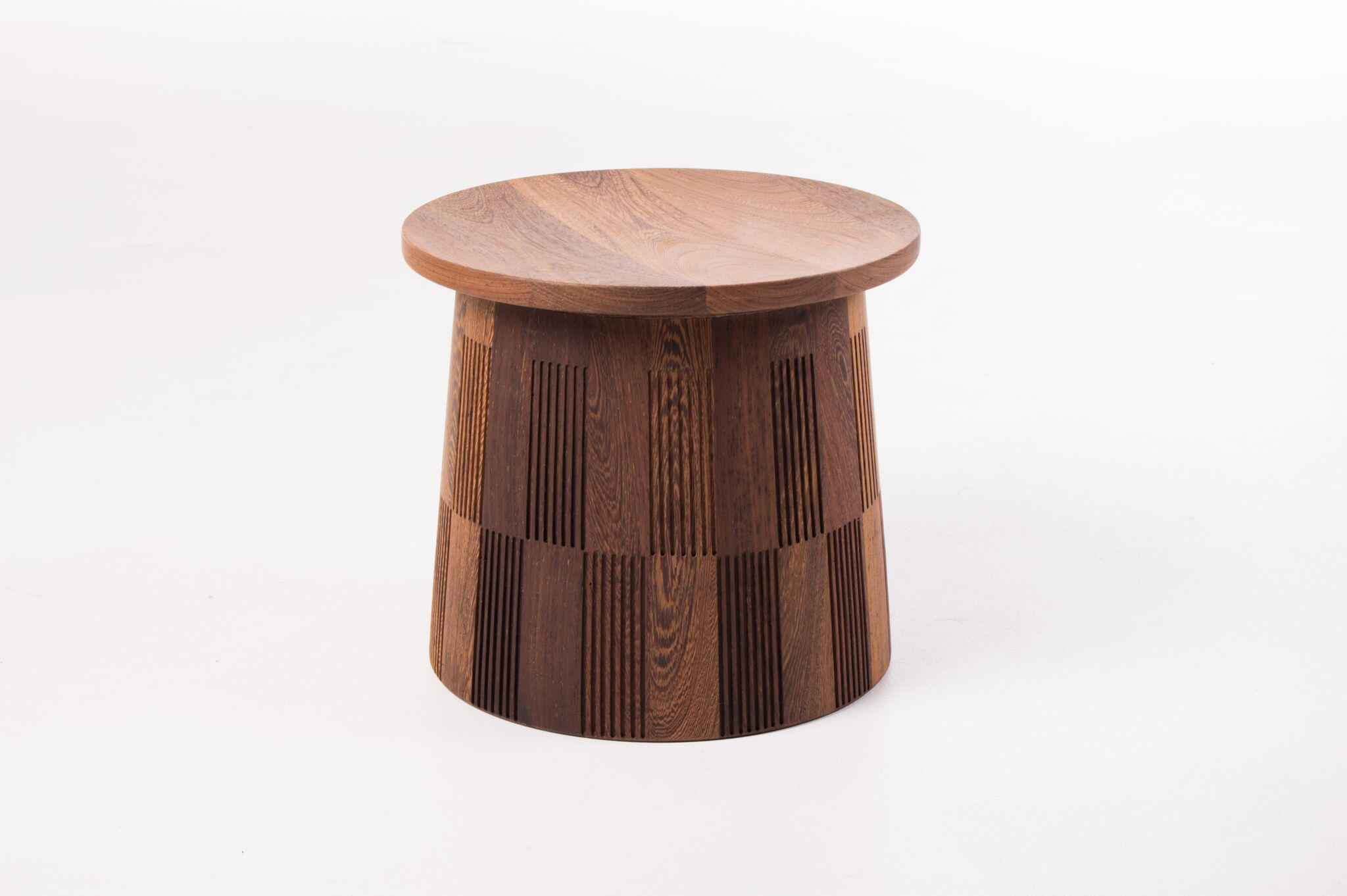 Dira Stool 04 A Iso View Preview