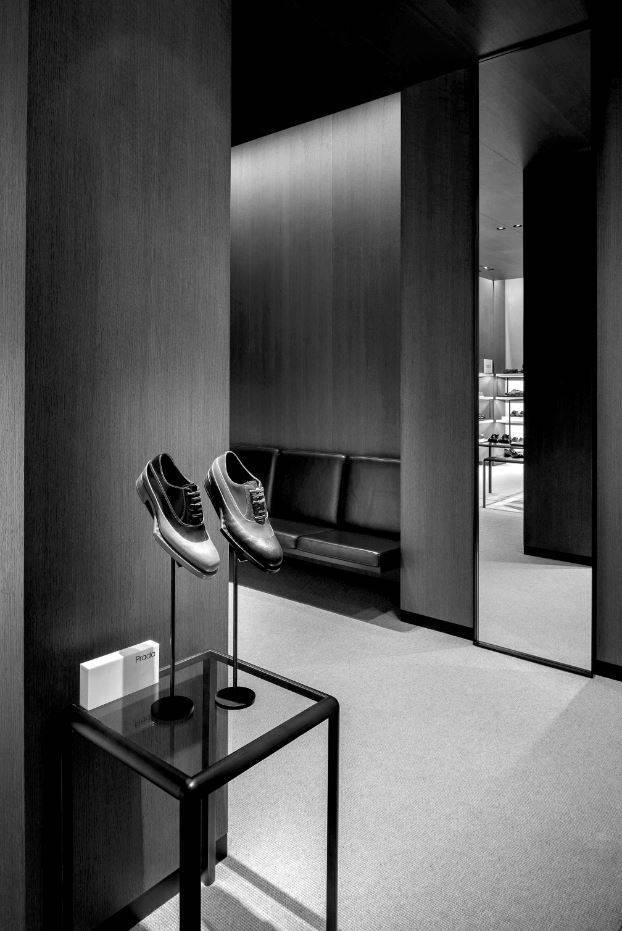 VVDA_Selfridges Men's Shoe Department_Andrew Meredith_1